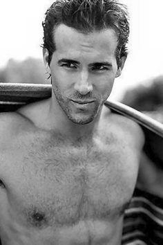 Funny + sexy = Ryan Reynolds