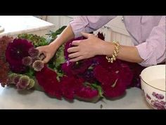 A Floral Arrangement & The Table Setting with Carolyne Roehm at Weatherstone. Fabulous short video.