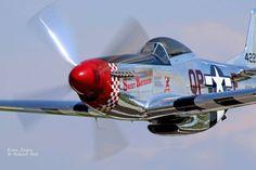 P-51 MUSTANG ... fantastic shot!