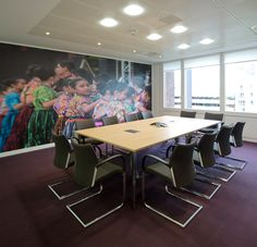 Workplace Architectural graphics for business interiors - http://www.vinylimpression.co.uk/pages/office-branding