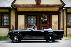 You can find the strangest things in Kentucky barns — like this classic Triumph British and roadster are like hand in glove. Classic Sports Cars, Classic Cars, Tr 4, Fender Flares, Small Cars, Cars And Motorcycles, Hot Wheels, Cool Cars, Dream Cars