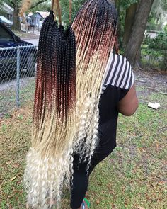 """TAMPA , FLORIDA on Instagram: """"Ready to be shipped, dm to order , hair from @hair4thelow color honey blonde, freetress deep twist color 613 at the ends"""" Blonde Ombre, Blonde Balayage, Blonde Highlights, Blonde Color, Faux Locs Hairstyles, African Braids Hairstyles, Blonde Hairstyles, Beauty Can Braid, Ombre Box Braids"""