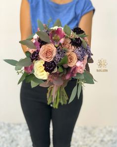 "4 aprecieri, 1 comentarii - BLOOMERIA (@bloomeria.ro) pe Instagram: ""#bloomeria #welcometotheworldofflowers #godmotherbouquet #wedding #autumn #colors"" Bouquet, Crown, Autumn, Colors, Wedding, Instagram, Fashion, Valentines Day Weddings, Moda"