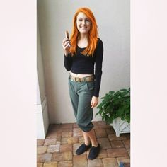 Green cargo pants, orange hair, and black sneakers are important to this costume, but the vital piece is a beeper.  Source: Instagram user anniero3