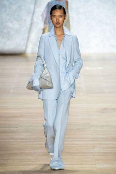 Akris Spring 2020 Ready-to-Wear Fashion Show - Vogue Fashion Week, Fashion 2020, Runway Fashion, Spring Fashion, Fashion Looks, Fashion Outfits, Fashion Trends, Vogue Fashion, Stylish Outfits