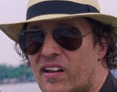 The Ray-Ban Aviator glasses in the film seem to have a Gunmetal color frame.