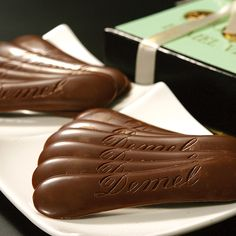 DEMEL Vienna Waits For You, Images Of Chocolate, Cooking Recipes, My Favorite Things, Austria, Sweet, Desserts, Happiness, Romantic