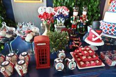 soldadinho chumbo-detalhes-coqueteispaoitaliano.com.br British Candy, London Party, Bernardo, Babys, Party Themes, Europe, Holiday Decor, 3 Year Olds, Good Ideas