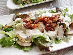 Warm Chicken Salad with Crispy Bacon - Casserole and Sofa de ensalada cena facil y saludable Warm Chicken Salad, Tostadas, Tapas, Potato Salad, Casserole, Food And Drink, Menu, Eggs, Breakfast