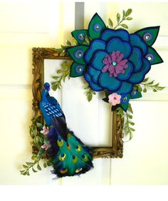 Only one.Vintage Peacock Square Picture Frame Wreath: 10x12inch