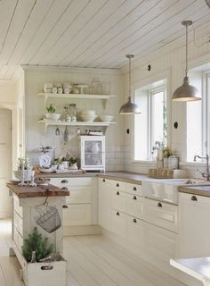 What is new in kitchen decoration? The answer is a farmhouse kitchen design. No doubt it becomes the most favorite kitchen design because it will make you comfortable and calmer. When you decide to design your kitchen to be a… Continue Reading → Country Kitchen Designs, French Country Kitchens, Farmhouse Style Kitchen, Modern Farmhouse Kitchens, Home Decor Kitchen, Rustic Kitchen, Kitchen Furniture, Home Kitchens, Kitchen Ideas