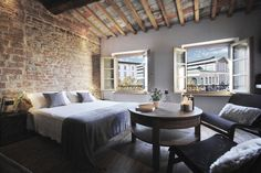 """Apartment in Firenze, Italy. Fantastic suite, complety private with its own bath, located on the third floor of a '800 building with a panoramic view on the """"Mercato Centrale"""" square and on the San Lorenzo's basilica and the famous Cappelle Medicee.  The suite is equipped wit..."""