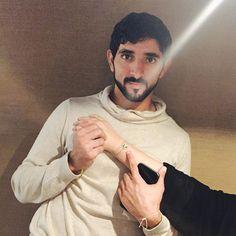 Hamdan bin Mohammed bin Rashid Al Maktoum con su hermana, Manal bint Mohammed bi . - Was mir gefällt - Celebridades Prince Crown, Royal Prince, Prince And Princess, My Prince Charming, Charming Man, Dubai, Arabic Wedding Dresses, Sheikh Mohammed, Handsome Prince
