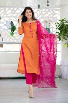 Silk Kurti Designs, Simple Kurta Designs, Kurta Designs Women, Kurti Designs Party Wear, Fancy Dress Design, Stylish Dress Designs, Designs For Dresses, Stylish Dresses, Dress Indian Style