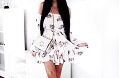 #girl #style #flower #long #hair #black #bag #mango #dress #fashion #outfit #gold #girl #girly #floral #white #minimal