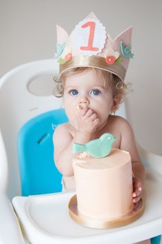 First Birthday Crown and Smash Cake - {Click through for more details on this bird-themed #firstbirthday}