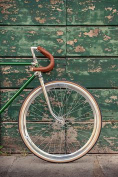 fullyfixed: Green Fixie (by Velo Vintage, Vintage Bicycles, Fixi Bike, Racing Bike, Bicycle Wheel, Photo Velo, Retro Bike, Old Bikes, Bike Style