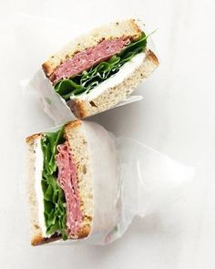 Salami and Cream Cheese Sandwich This salami sandwich holds up well in a lunchbox. If your child prefers, you can use wheat or white bread in place of rye, and spinach instead of arugula. Get the Salami and Cream Cheese Sandwich Recipe Lunch Snacks, Lunch Recipes, Healthy Snacks, Cooking Recipes, Healthy Recipes, Bag Lunches, Lunch Box, Lunch Foods, School Lunches