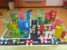 Best Active Indoor Activities For Kids School Projects, Projects For Kids, Diy For Kids, Crafts For Kids, Kids Fun, Cardboard City, Cardboard Crafts, Paper Crafts, Fun Crafts
