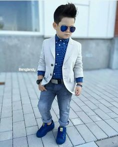 19 ideas children boy fashion outfit for 2019 Toddler Boy Fashion, Little Boy Fashion, Toddler Boy Outfits, Fashion Children, Costume Garçon, Baby Boy Dress, Baby Dresses, Blazer For Boys, Outfits Niños