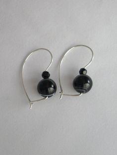 S/S Sardonyx and black bead euroballs www.carellajewellers.com Pearl Earrings, Drop Earrings, Handmade Jewellery, Bead, Pearls, Jewelry, Pearl Studs, Handmade Jewelry, Beads
