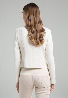 Cream look with white blazer | Marie Méro