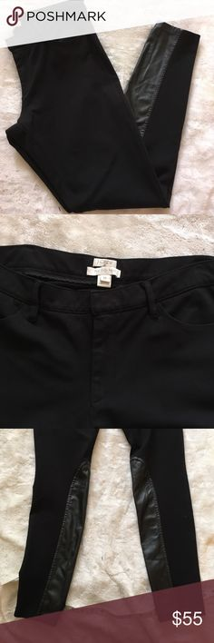 "J. Crew ""the Gigi"" pant - size 12 Amazing black pants that give you the look of black jeans with front and back pocket but all the comfort of stretchy pants. They have a faux leather panel on the inside of the lower legs. These are absolutely amazing pants and are in excellent condition! Waist 17"" flat unstretched - 19.5"" stretched. Inseam 29"" - ankle length. J. Crew Factory Pants Skinny"