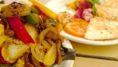 Salada Vegetariana no Pão - http://www.receitasja.com/salada-vegetariana-no-pao/