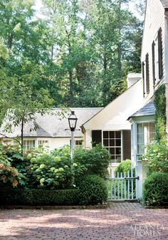 Atlanta Homes & Lifestyles. Love the gate and the brick. House 2, Outdoor Spaces, Outdoor Living, Brick Driveway, Brick Pavers, Driveway Border, Home Design, Design Room, Design Ideas