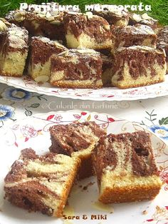 Prajitura marmorata ~ Culorile din farfurie Romanian Desserts, Banana Bread, French Toast, Sweet Treats, Cooking Recipes, Sweets, Breakfast, Food, Banana