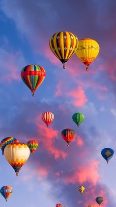 Hot Air Balloons, in full Color. Nature Wallpaper, Wallpaper Backgrounds, Iphone Wallpaper, Full Hd Wallpaper Android, Air Balloon Festival, Air Balloon Rides, Hot Air Balloons, Air Ballon, Nature Pictures