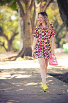 Taciele Alcolea; Vestido Colorido