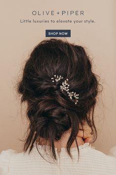 Bridal hair pins and everyday hair accessories Elegant Hairstyles, Ponytail Hairstyles, Bride Hairstyles, Vintage Hairstyles, Hairstyles With Bangs, Pretty Hairstyles, Natural Bun Hairstyles, Hairstyles Videos, School Hairstyles