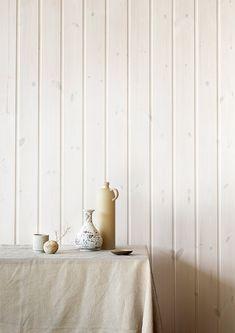 Vakre, hvitbeisede vegger og tak på hytta.  LADY Pure Nature White Interiørbeis Decor, Inspiration, Summer House, Interior, Paneling, Pure White, Home Decor, White