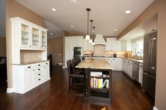 built in hutch ideas | Contemporary Home built in hutch Design Ideas, Pictures, Remodel and ...