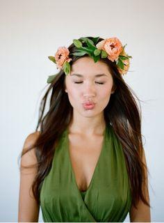 Sweet Violet Bride - http://sweetvioletbride.com/2013/03/petal-pretties-15-flower-crowns-bohemian-bride/