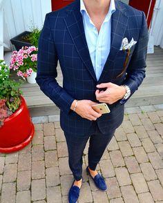 Keep it simple but significant!   Suit: @morrisstockholm  Shirt: @stenstroms_official  Shoes: @massimodutti   __________________________________________ #ootd #sprezza #sprezzatura #sartorial #gentleman #bespoke #madeinitaly #italianstyle #suit #menwithclass #menwithstyle #classyman #mensfashion #fashionformen #instafashion #styleiswhat  #menspost #menstyleguide #dapper #dapperman #dapperlydone #gents #fashionoftheday by chrisdellarocca