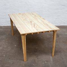 boarded_floor_table_steven_schreurs_thomas_roelandts_3b.jpg