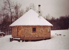 Bois cordé | Archibio Cordwood Homes, Earthship, Natural Materials, Habitats, Gazebo, Sweet Home, Yurts, Cottage, Outdoor Structures