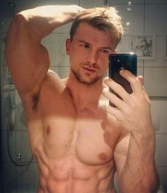 Recommend you blonde muscular guy naked