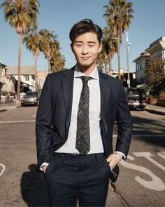 Handsome Korean Actors, Park Seo Joon, Francisco Lachowski, Celebrity Photos, Celebrity Drawings, Kdrama Actors, Male Magazine, William Kate, Asian Actors