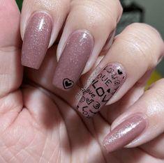 31 Looks: Nails for Valentine's Day > CherryCherryBeauty.com  Source: ladysmithnails / Instagram