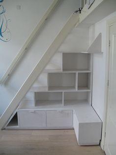 Trap, zolder, kast Attic Loft, Study Office, Three Floor, Big Houses, Decoration, Kids Room, Interior Design, Interior Ideas, New Homes