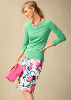 Crewel print skirt.Stunning