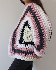 Hexagon Crochet Pattern, Crochet Poncho Patterns, Crochet Granny Squares, Chunky Crochet, Knit Crochet, All Free Crochet, Crochet Bags, Chrochet, Mode Crochet
