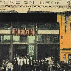 1920- Καφενείο '' ΝΕΟΝ ''. Των Περικλή Γκόσιου και Γιάννη Δούκα. (100 μαρμάρινα τραπέζια. Το λίκνο του νεοελληνικού ζατρικίου).