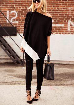 look preto e branco com legging , scarpin preto e blusa oversized
