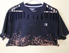 4393c396 Distressed, bleached and cropped Champion shirt. Black croptop. Super cool  and edgy.