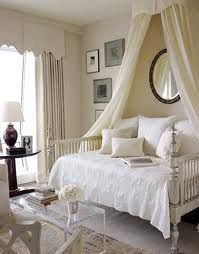 SO clean and simple, yet luxurious. #canopy #yes