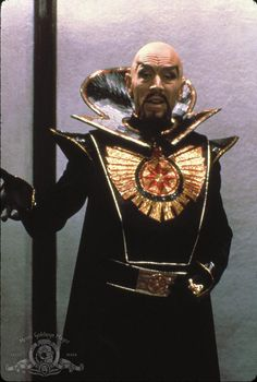 Max Von Sydow as Ming the Merciless from Flash Gordon 1980 - Go Flash Go! Flash Gordon, Max Von Sydow, Horror Show, Science Fiction Art, Mad Science, Sci Fi Movies, Cult Movies, Movie Costumes, Sci Fi Fantasy